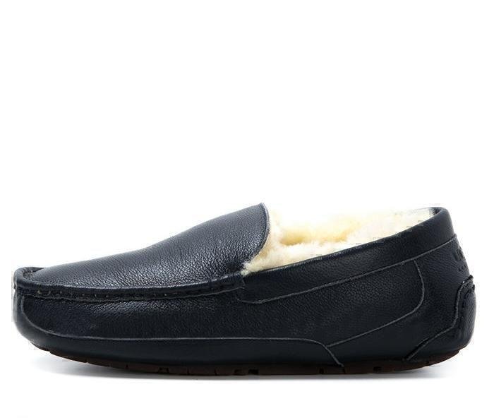 UGG Men's Ascot Leather Navy фото #2 в «GetKeds»