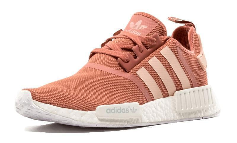 Adidas NMD R1 (Pink/White) фото #2 в «GetKeds»