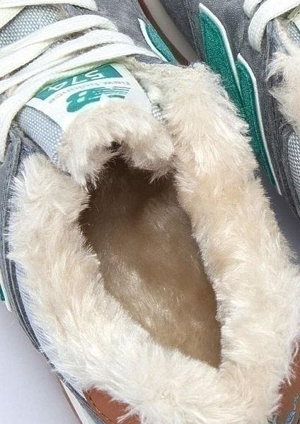 New Balance 574 With Fur (Light Grey/Green) фото #3 в «GetKeds»