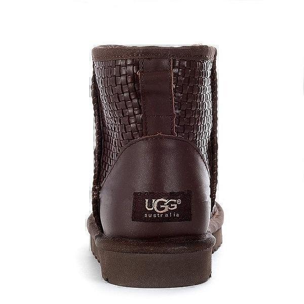 UGG Classic Mini Wover Bottega Chocolate фото #4 в «GetKeds»